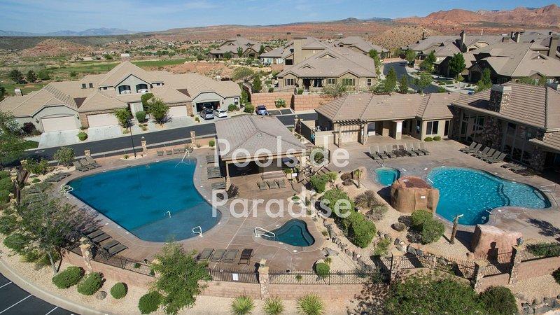 Venga a relajarse en nuestro año piscinas climatizadas y bañeras de hidromasaje.