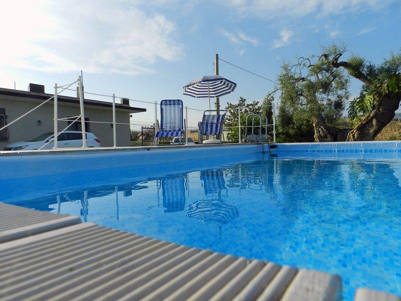 Rainbow Holiday Home - Rilassante Villa&Piscina a 12 km da Ortigia - Mare, location de vacances à Floridia