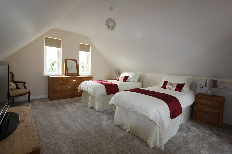 Glenside Cottage - Bedroom - can be configured as a twin or superking