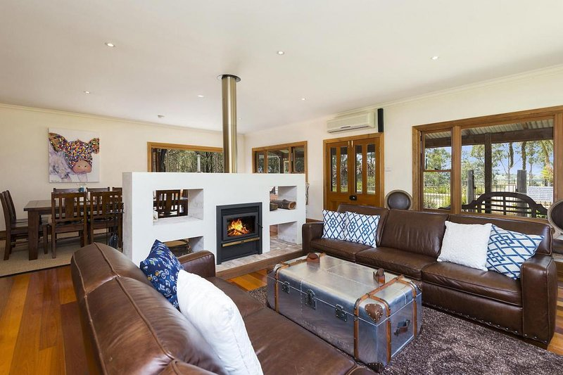 Hunter Valley Accommodation - Dalwood Country House - Sitting Room