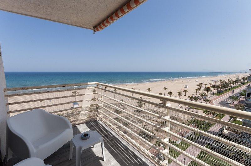 HAWAI - Apartment for 8 people in Playa De Gandia, holiday rental in Grau de Gandia