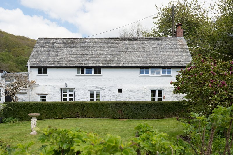 Bratton Mill Cottage, Bratton Fleming - Charming country cottage in North Devon,, vacation rental in Barnstaple