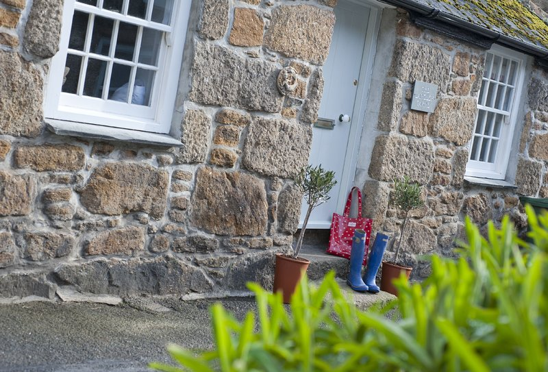 the langley tarne updated 2019 1 bedroom house rental in mousehole rh tripadvisor com