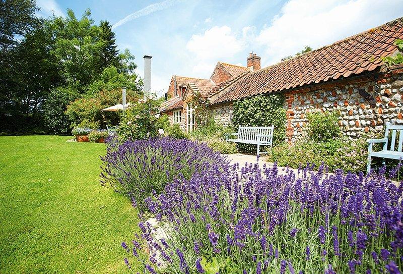 Pear Tree Cottage (Norfolk), holiday rental in Itteringham