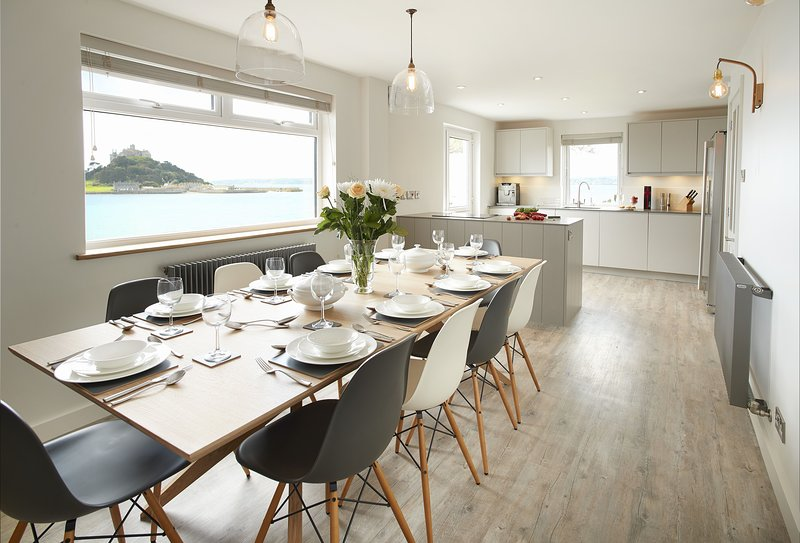 Captains House, vacation rental in Marazion