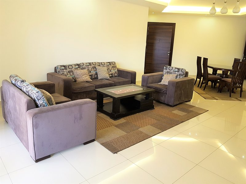 Monte Maria Luxury Furnished Apartment B16, casa vacanza a Amchit
