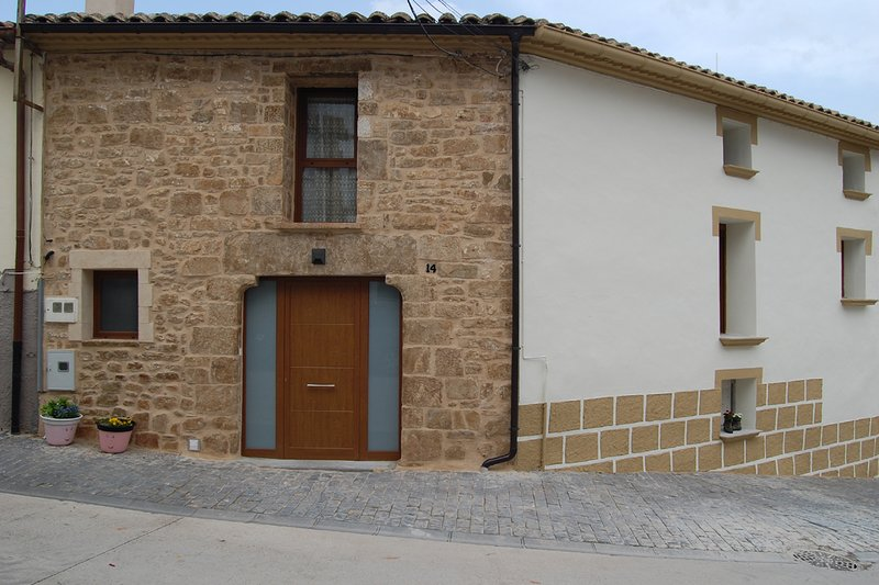 CASA RURAL NAVARRA PRAXEDES ENEA EN AÑORBE, vacation rental in Falces