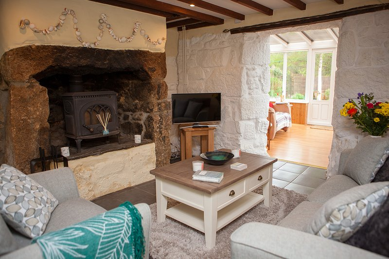 Hope Cottage, Lelant Downs - Sleeps 4-  Garden and Parking, vacation rental in St Ives