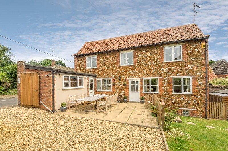 Honey Cottage, holiday rental in Dersingham