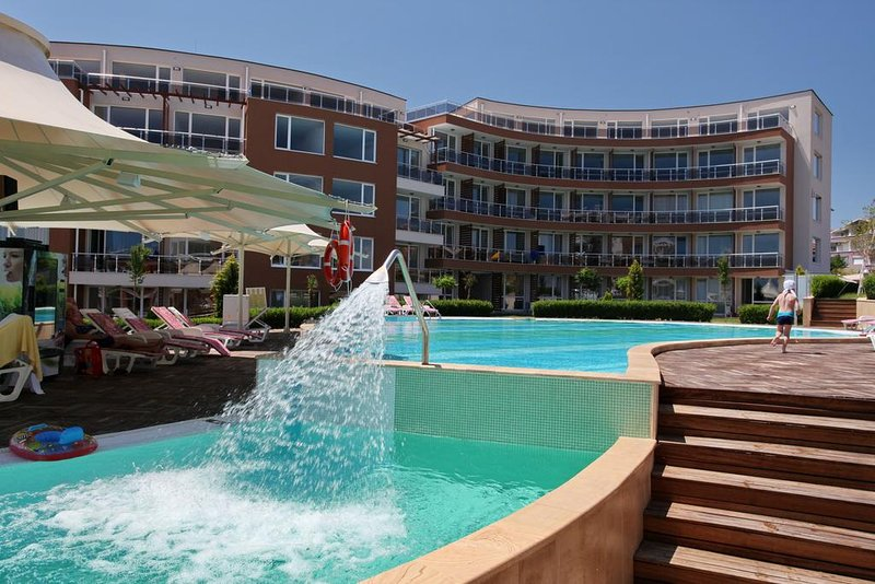 Apartment near the Sea - Sunny Island Complex, holiday rental in Chernomorets
