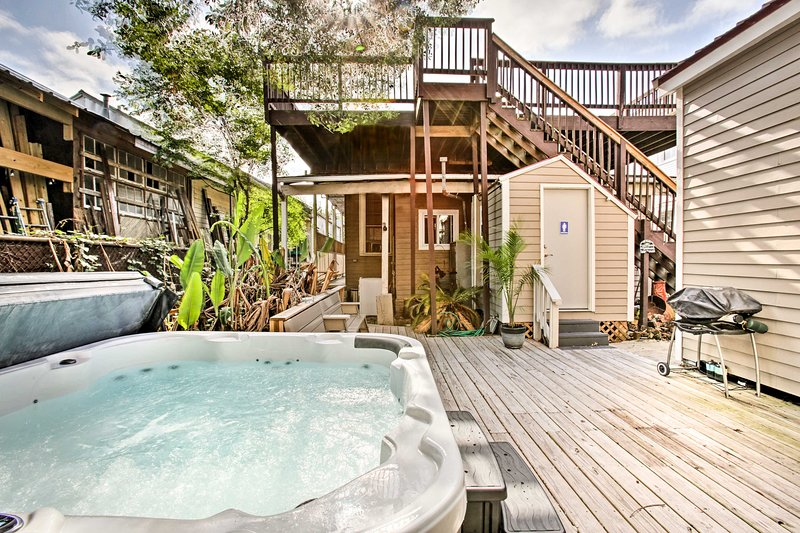 New Orleans Home w/Hot Tub-1 Mi to French Quarter!, holiday rental in New Orleans