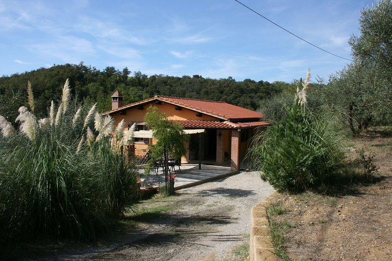 Modanella Villa Sleeps 4 with Pool - 5490570, vacation rental in Rigomagno