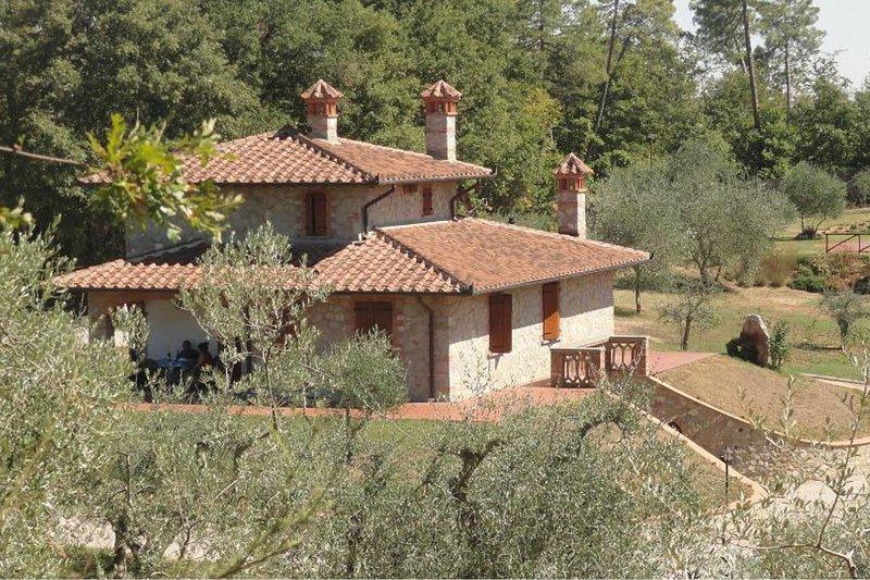 Santarello Villa Sleeps 8 with Pool and Air Con - 5490567, vacation rental in Santarello