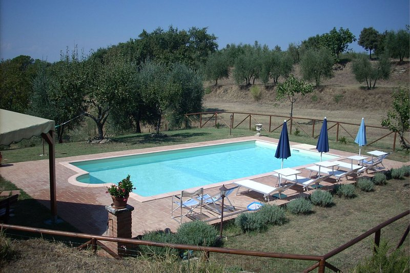 Rigomagno Villa Sleeps 4 with Pool - 5490464, vacation rental in Rigomagno