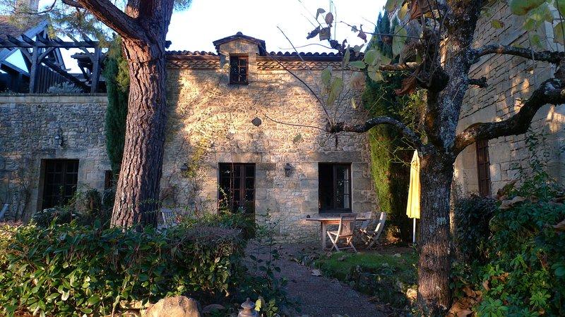 La Closerie de Baneuil. Gîte Belvès pour 4 personnes, vacation rental in Bourniquel