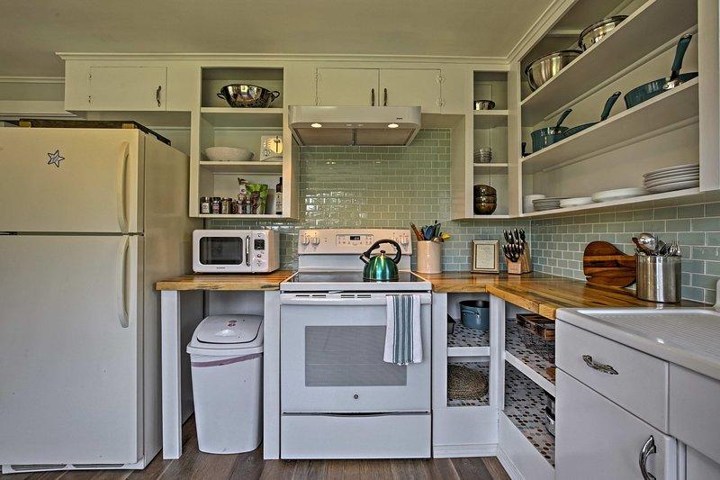 Você terá todos os aparelhos essenciais e utensílios de cozinha.