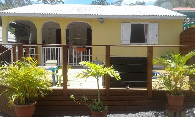 Beautiful apartment with garden, vakantiewoning in Pointe-à-Pitre