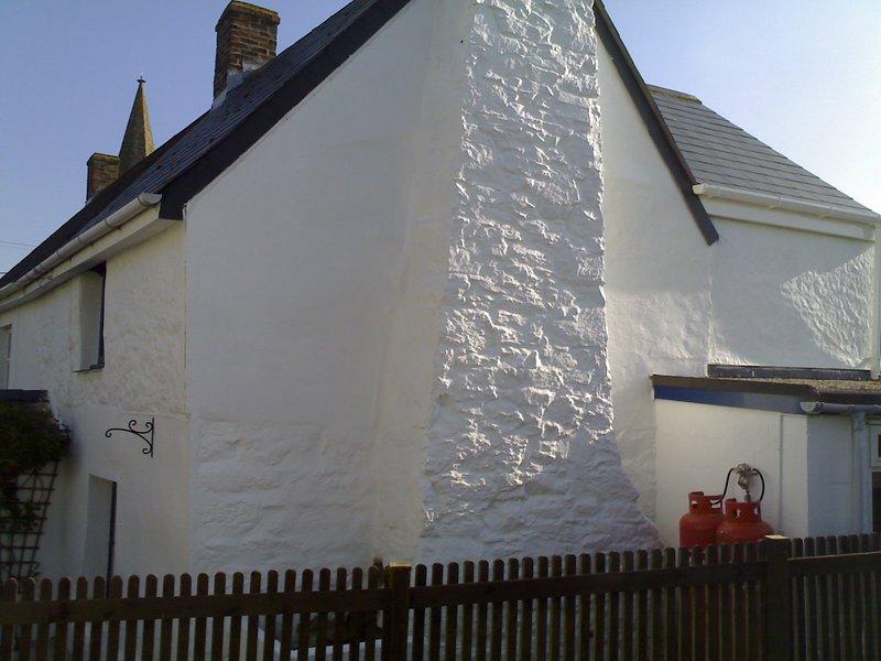 Fin lado de Cottage tomada desde el jardín
