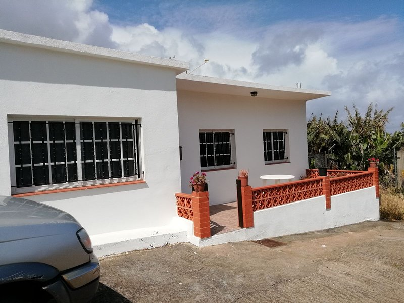 CASA TERRERA RODEADA DE NATURALEZA, vacation rental in Bajamar
