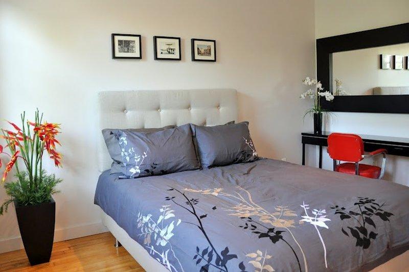1 dormitorio en el segundo piso: cama de matrimonio.