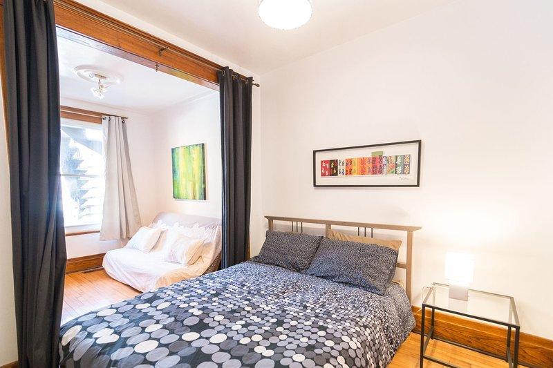 habitación 4 en la planta baja: cama de matrimonio + sofá-cama futón