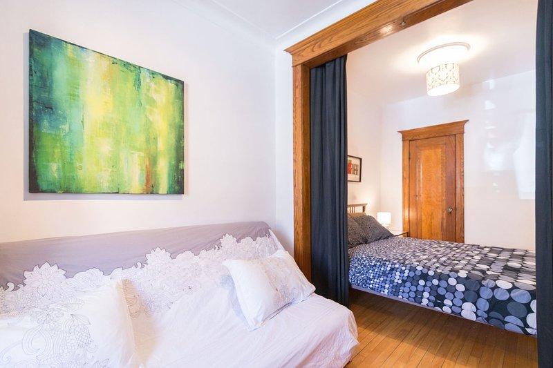 4 dormitorios con cama de matrimonio y sofá-cama.