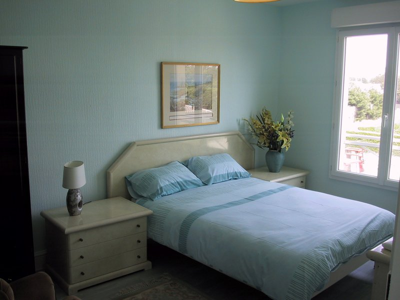 Beautiful apt with sea view & Wifi, vacation rental in Denneville