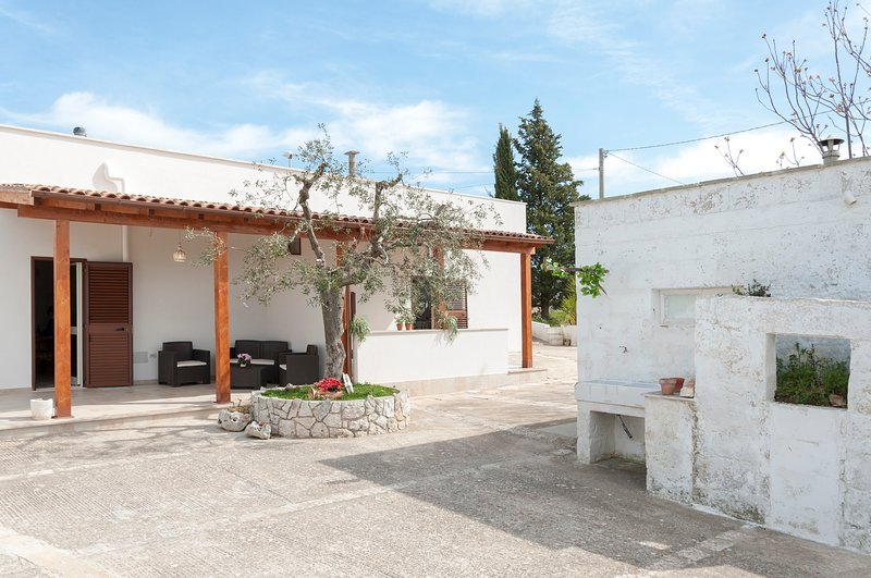 Elisabetta Apartment for 4 people in Monopoli's Countryside, holiday rental in Macchia di Monte