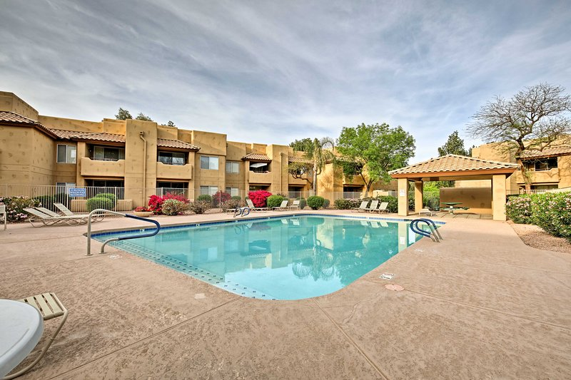 Book your Valley of the Sun getaway now!
