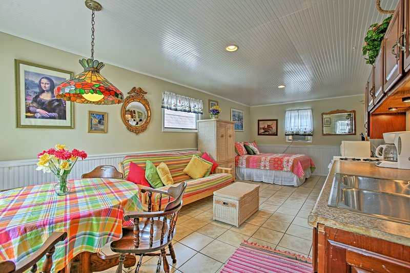 Experience the best of Pentwater from this cozy vacation rental studio!