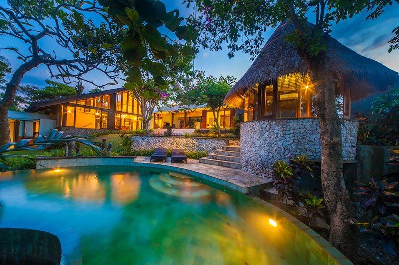'75% OFF' 3 BR Trekvogels Villa, 9 min walk to Art market, holiday rental in Samplangan