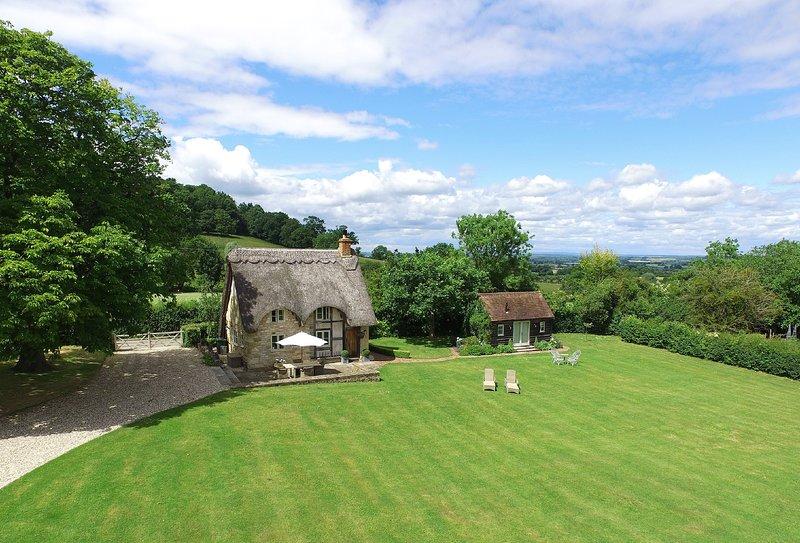 Field Cottage & Garden Room, holiday rental in Wickhamford