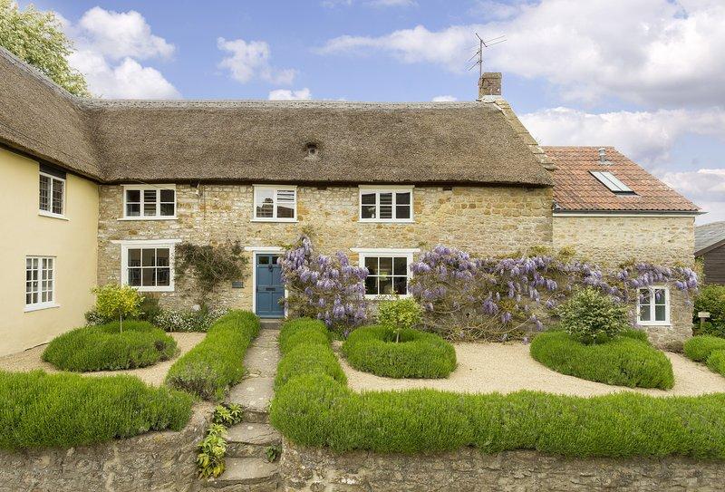 Myrtle Cottage (Dorset), vacation rental in Hooke