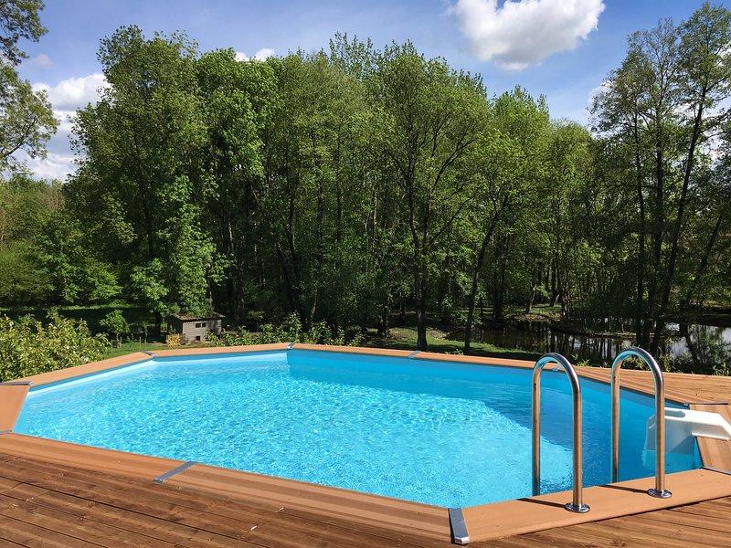 Le Jardin de la Berlande - Gites avec SPA et piscine dans superbe parc -, location de vacances à Prailles