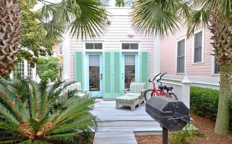 West Indian - Charming 1BR in the Heart of Seaside