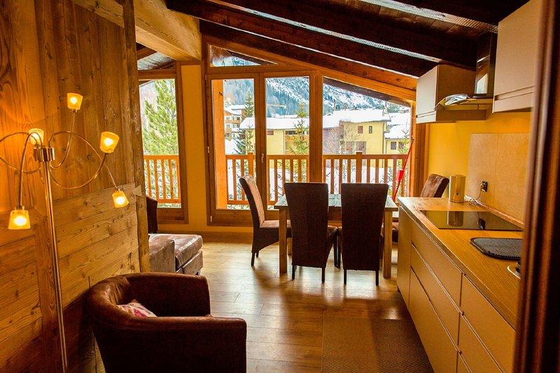 Luxury apartments in wonderful Alpine Chalet, location de vacances à La Thuile