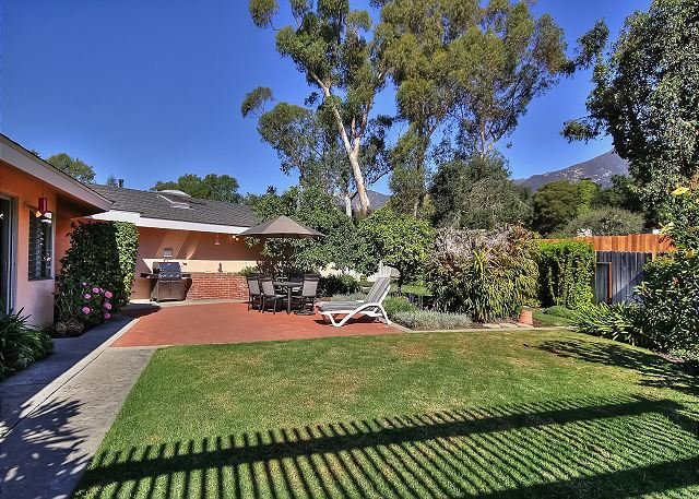 Montecito Retreat - Minutes to Butterfly Beach, Lower Village & Downtown, holiday rental in Montecito