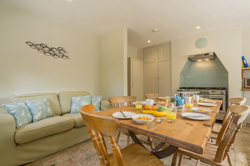 Grove Bungalow, holiday rental in Warham