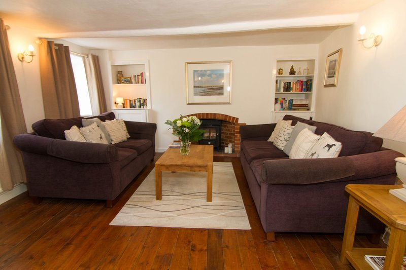 Three Tuns Cottage, holiday rental in Walsingham