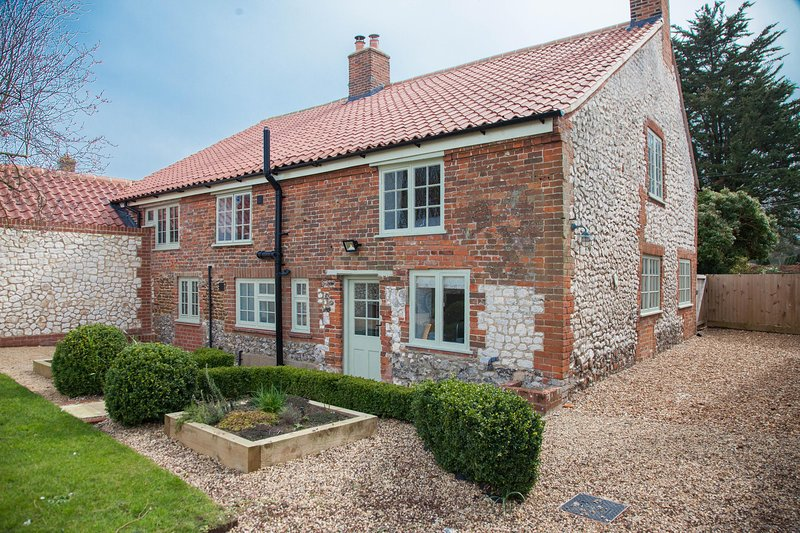 Gardener's Cottage, holiday rental in Thornham