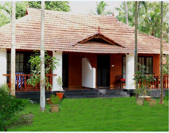 Yantra Ayurvedic Beach  Resort - Cheemeen Deluxe Cottage - 2, vakantiewoning in Angamaly