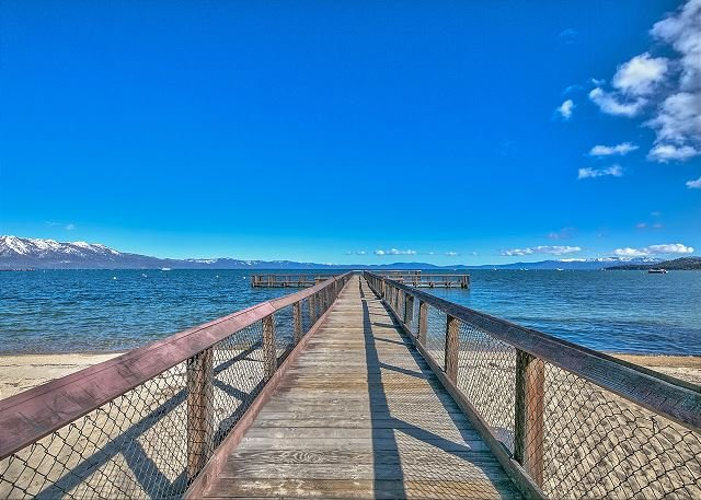 Lake Tahoe Home w/Private Beach, Pool & Heavenly!, vacation rental in South Lake Tahoe