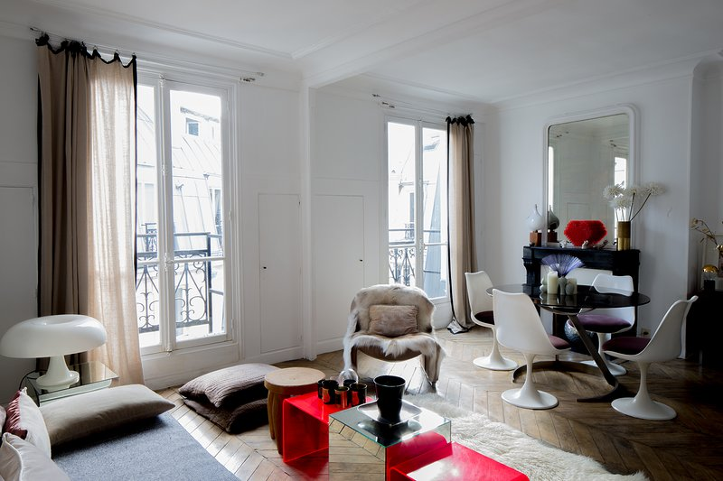 cosy, calm and sunny Heart of Paris