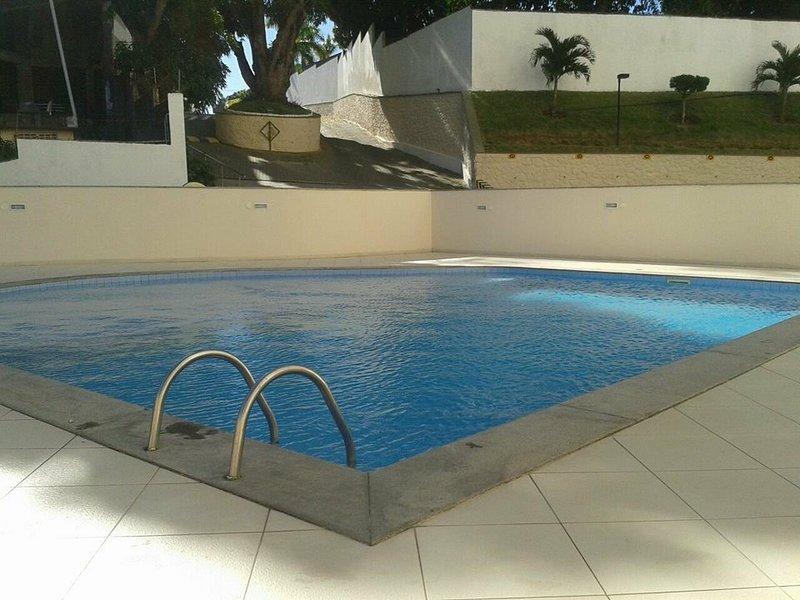 Bem Vindo a Salvador! Apartamento com piscina, varanda e excelente localização!, holiday rental in Salvador