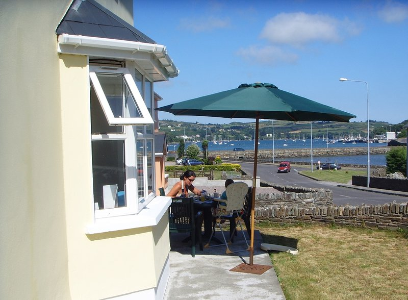 Entire 3 bedroomed fully ensuite property, vacation rental in Glandore