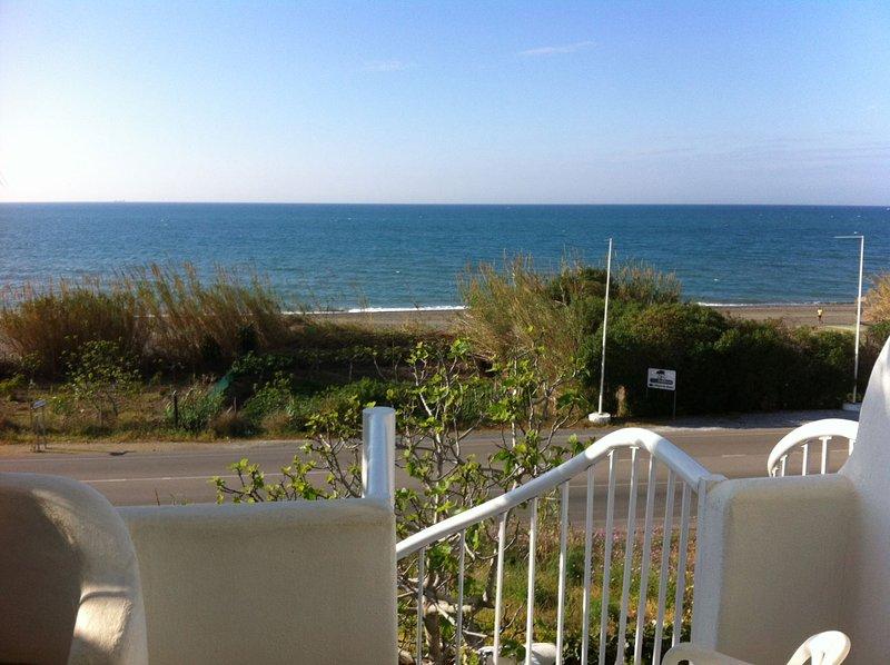 f04ad3dd22007 Magnifico chalet adosado en primera linea de playa zona de Benajarafe