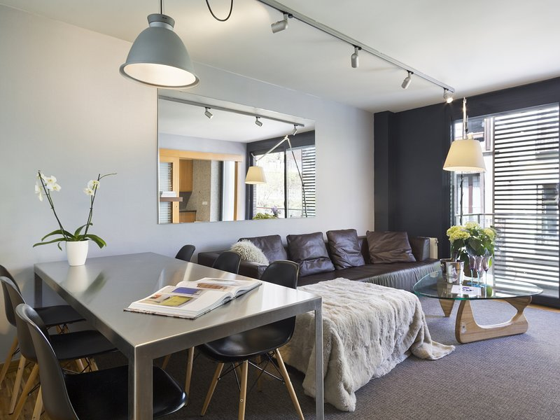Rental Apartment for Companies in Barcelona, vacation rental in Vallmanya