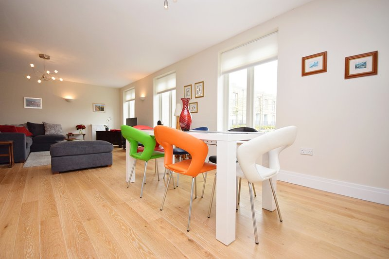 Festival Walk, Chichester, holiday rental in Chichester