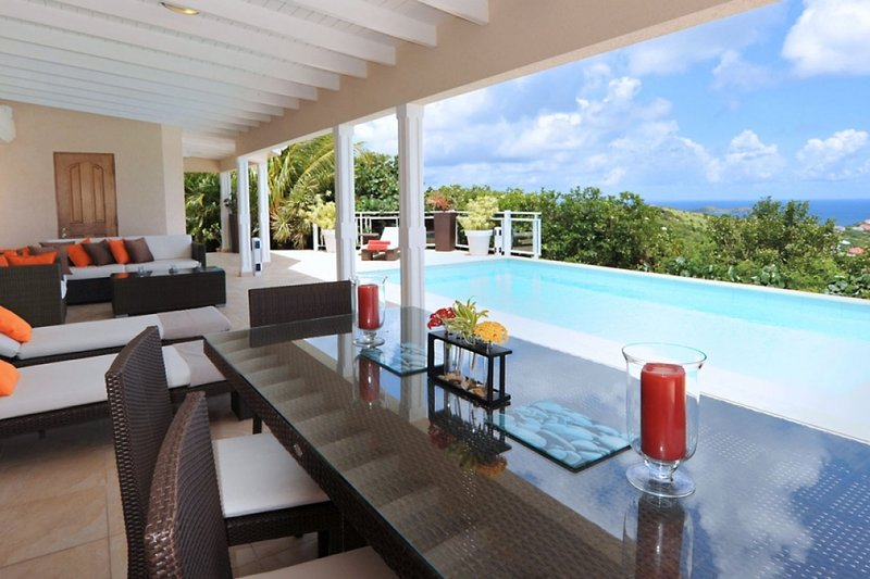 Villa Au Coeur Du Rocher | Ocean View - Located in Magnificent Vitet with Priva, vakantiewoning in Marigot