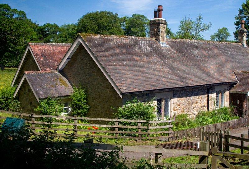 Haughton Castle - Garden Cottage, location de vacances à Anick